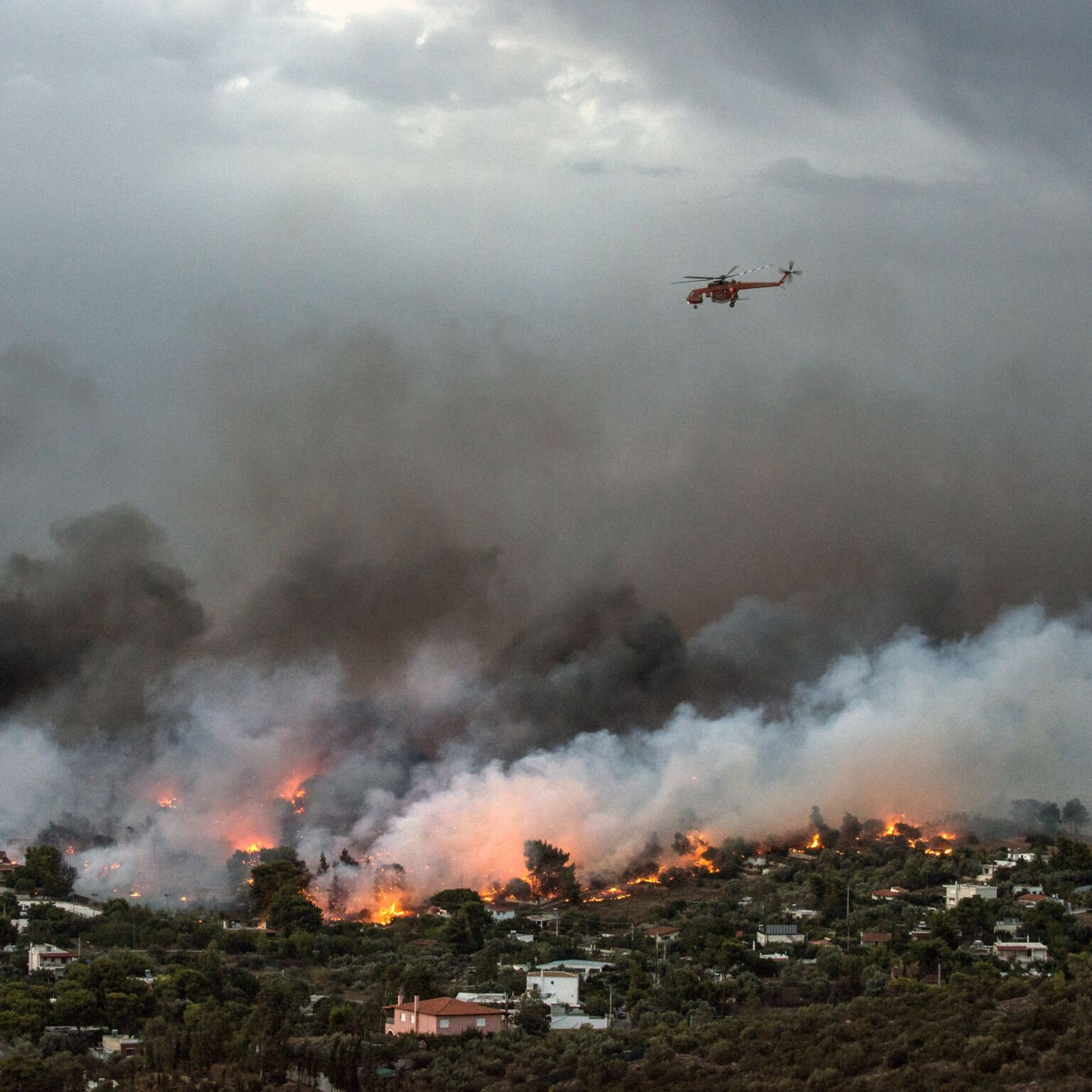 greece-fires-GettyImages-1004380196